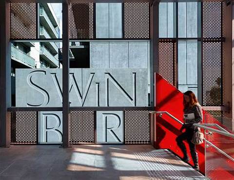 Swinburne connects with LinkedIn for digital workforce centre