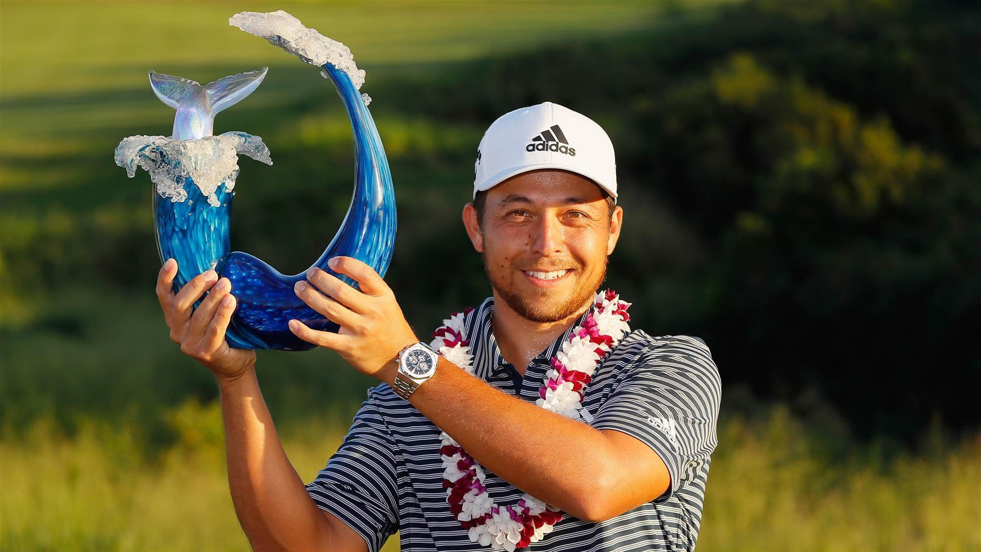Xander Schauffele chases down Woodland in Hawaii