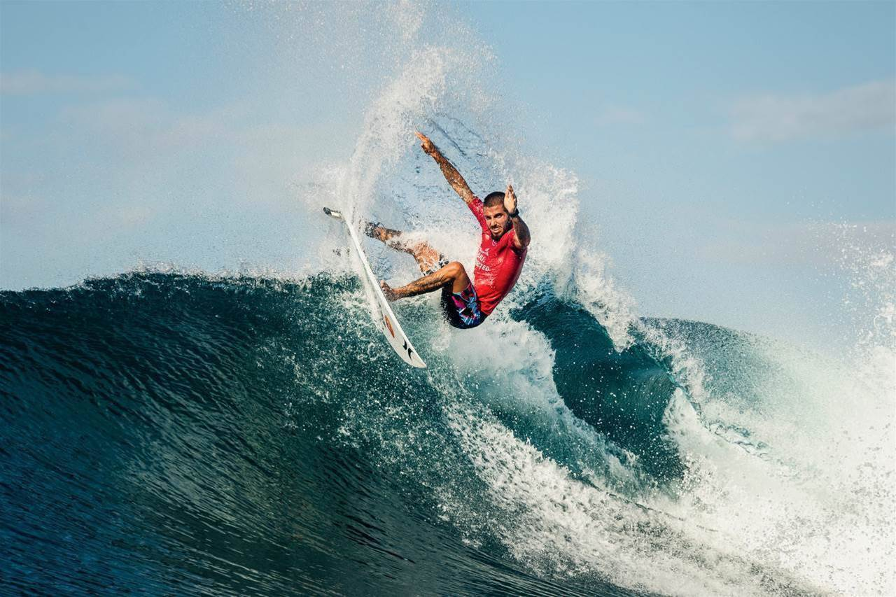 Natural-footers Take Charge at the Corona Bali Protected