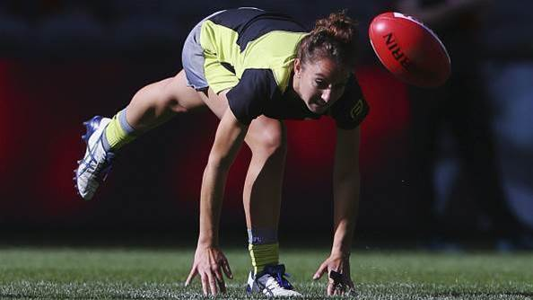 AFL announce new pathway for female umpires