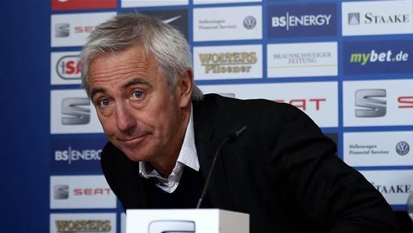 van Marwijk firms to lead Socceroos