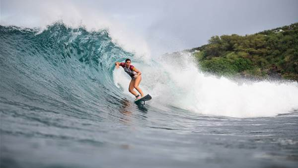 Tyler Wright and Steph Gilmore Star as the WSL makes its long awaited return