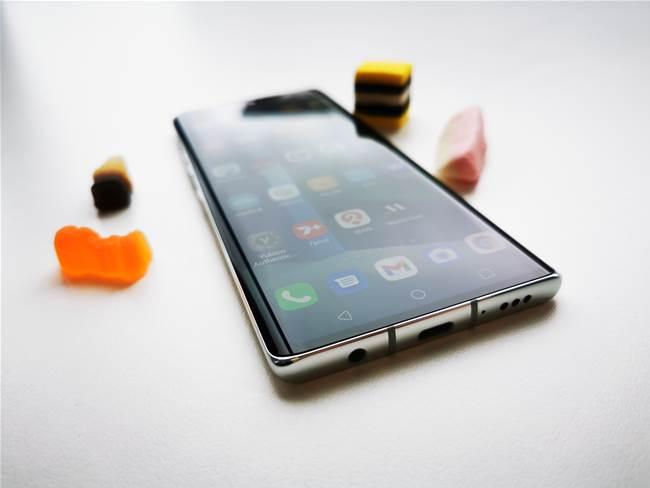 LG Velvet 5G review - headphones