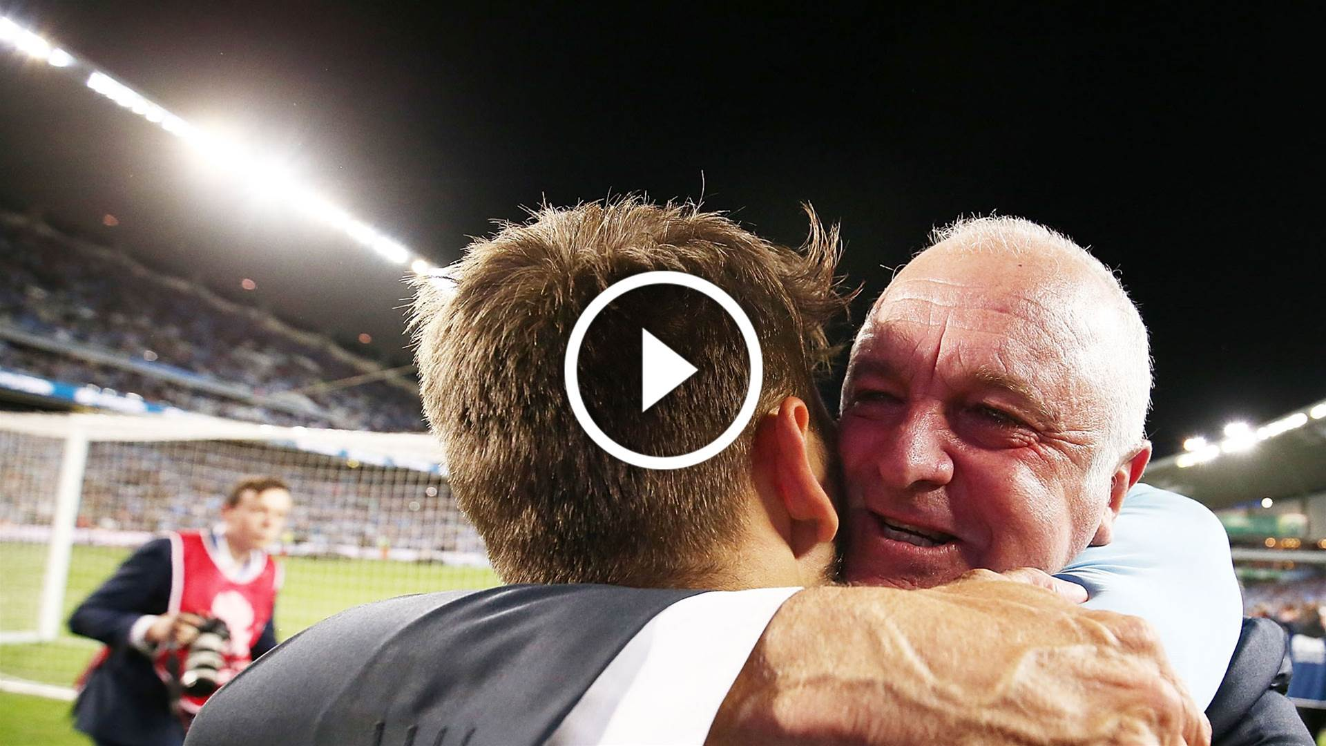 Watch: Sydney FC's tribute to Graham Arnold