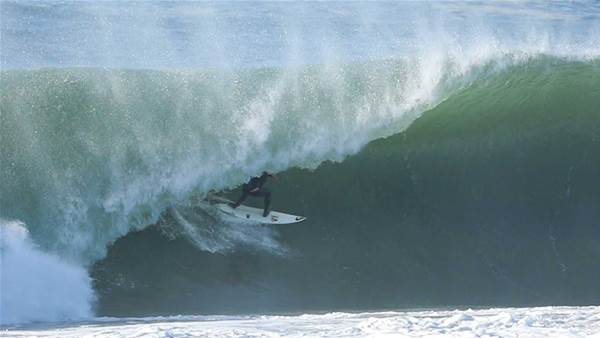 Jeremy Flores & Friends Tackle Maxing French Beachbreaks