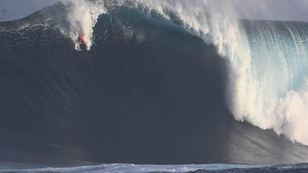 He's Back! Extreme Bodysurfer Takes on Monster Swells