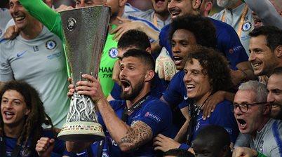 Watch! Chelsea thrash Arsenal in final