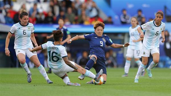 Watch! Argentina hold Japan