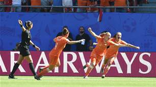Watch! Dutch book maiden World Cup semi