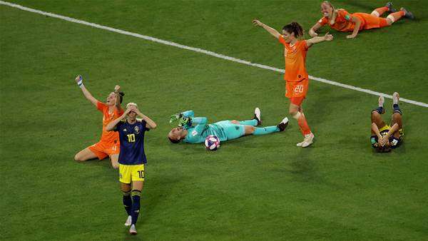 Watch! Holland break Swedish hearts