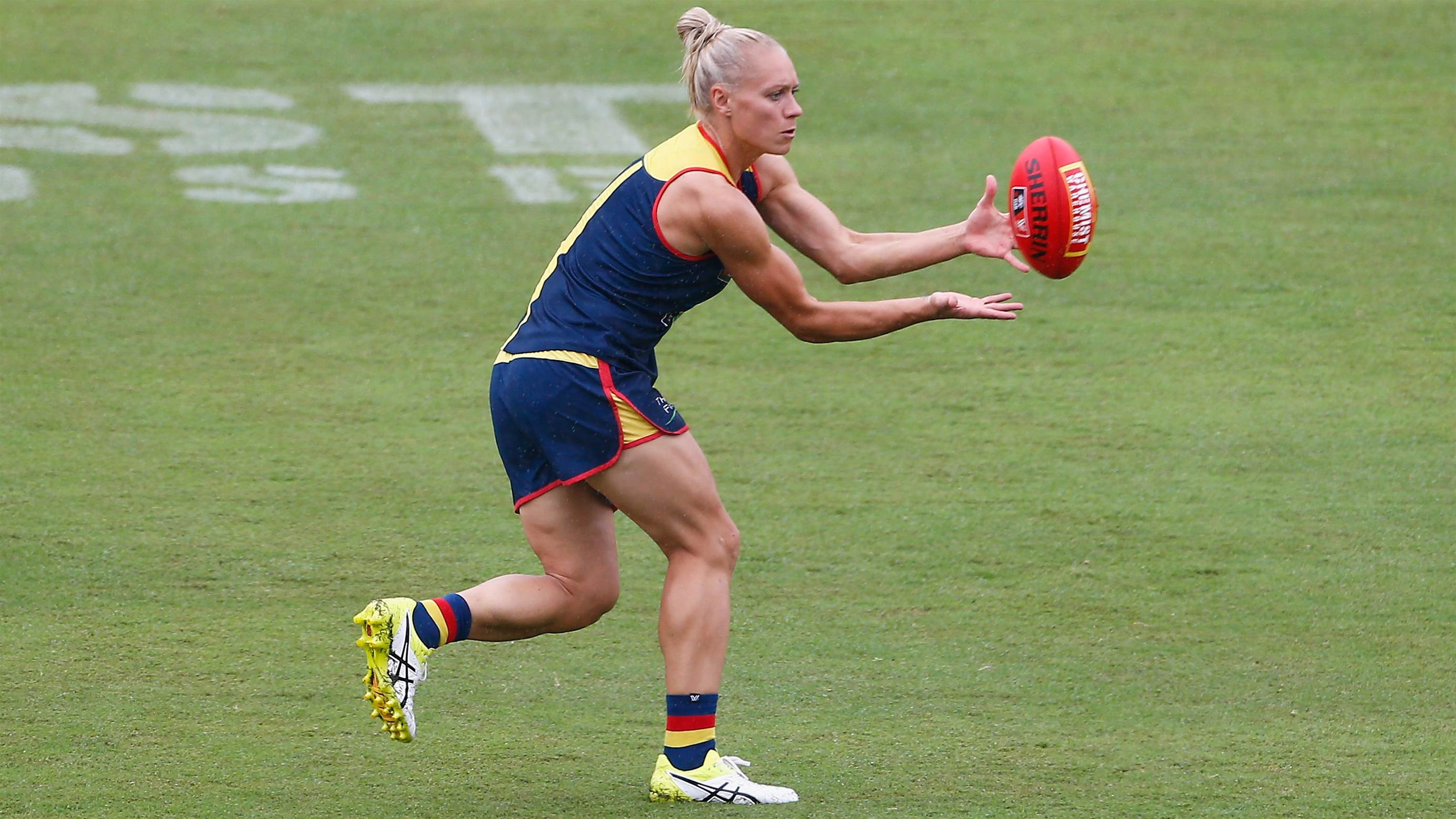 Phillips back for Crows