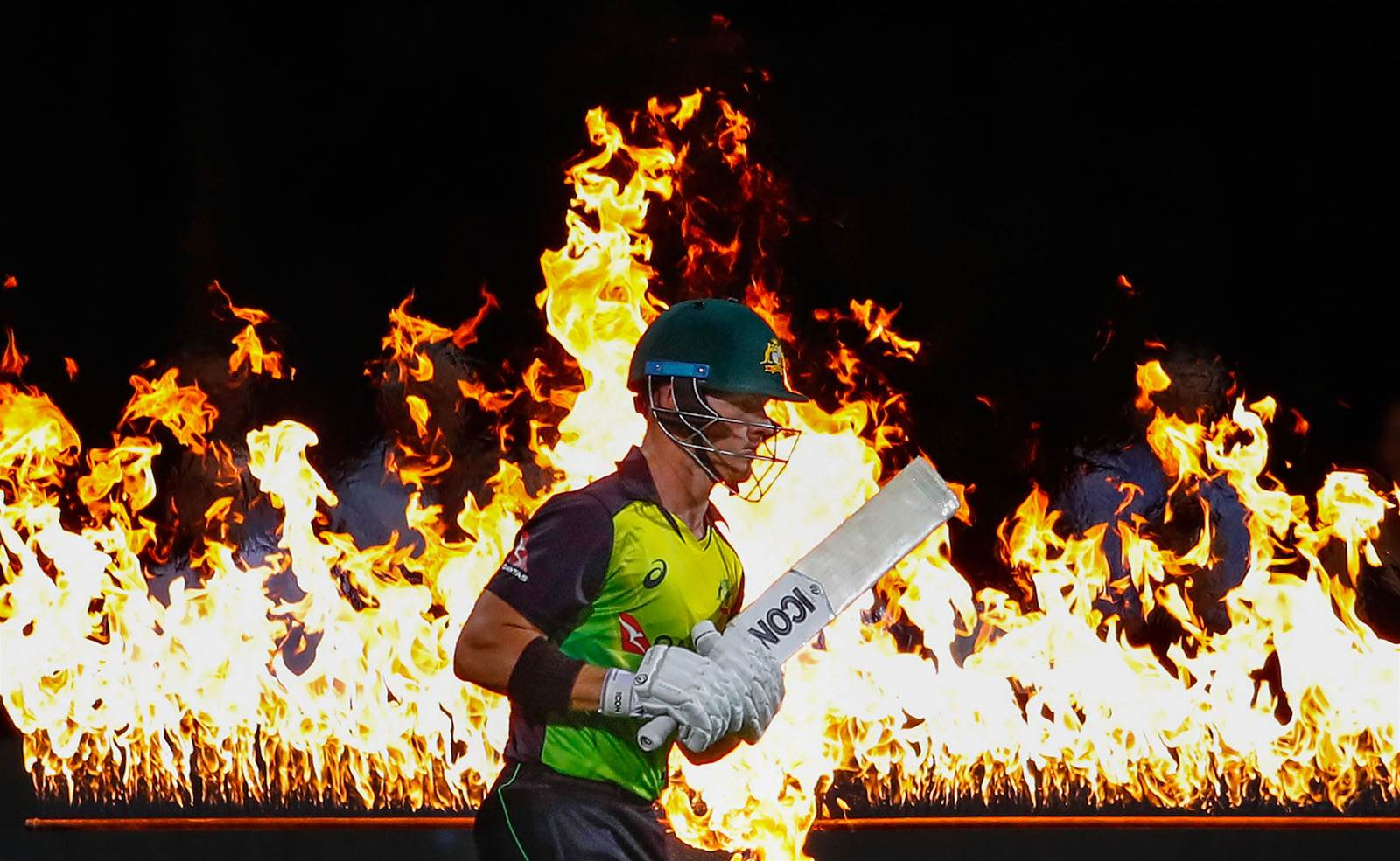 WATCH! D'Arcy Short's 23 sensational sixes!