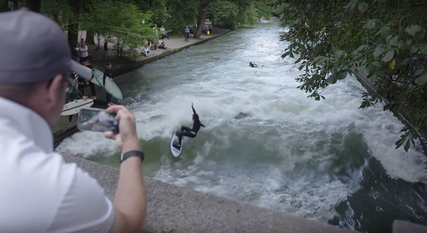 Weird Waves: The Eisbach in Germany