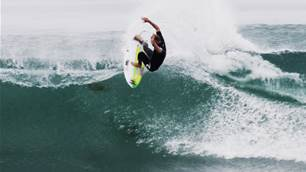 Watch: Mick Fanning, Griffin Colapinto and Ethan Ewing Skewer Lower Trestles