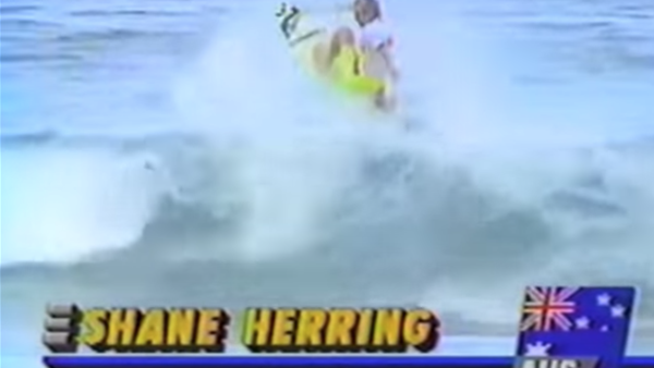 Watch: 90s Nostalgia Hit: Slater vs Herring in the 1992 Coke Classic Final at Narrabeen.
