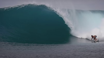Watch: Here's how it feels to surf the Mentawai Alone During Covid-19