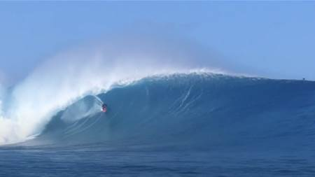 Watch: Saturday's Giant Outer Reef Session on Oahu