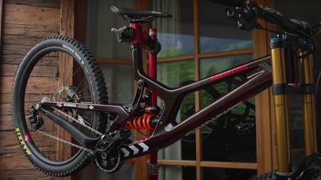 Bike Check: Luca Shaw's 2021 Santa Cruz V10