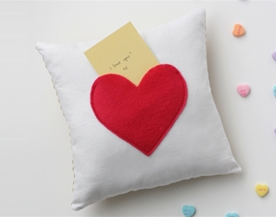 secret pocket pillow diy