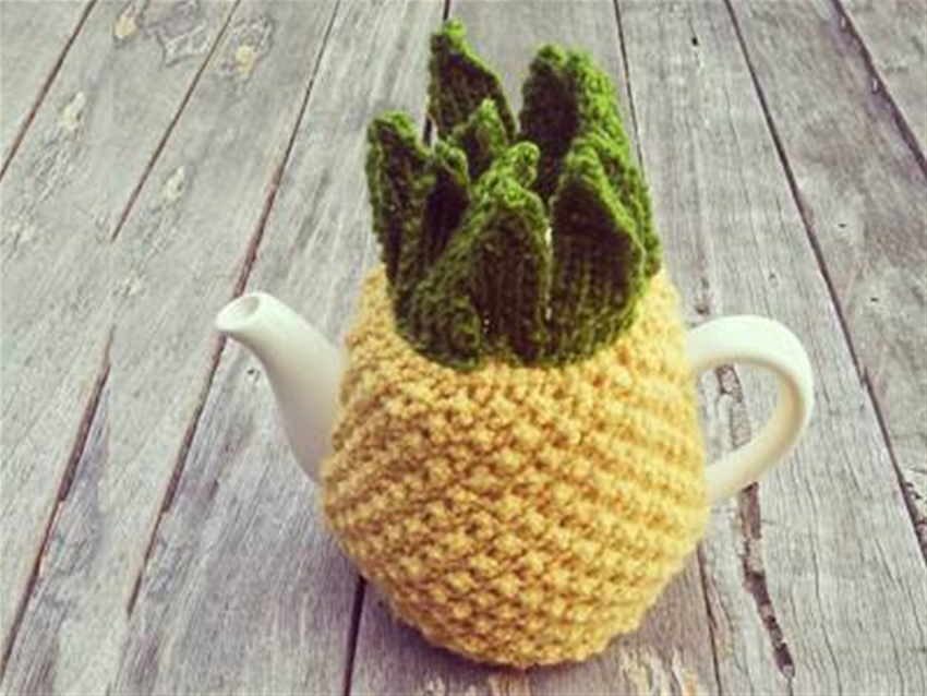 knitted pineapple tea cosy diy