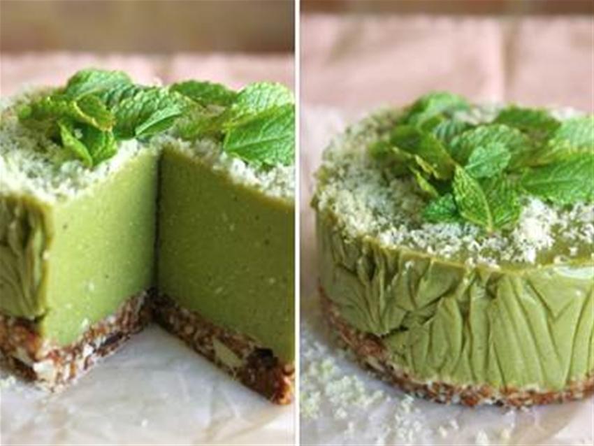 mango matcha smoothie cake