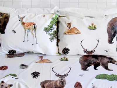 stuff mondays - the club of odd volumes bedding