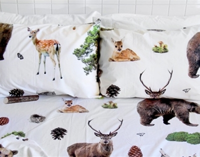 stuff mondays - the club of odd volumes bedding