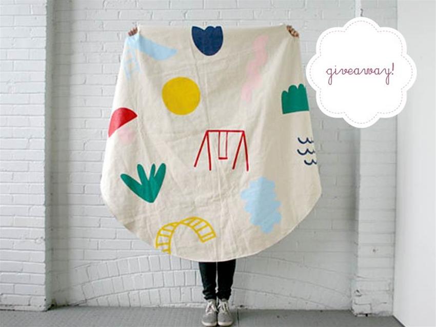 stuff mondays – des enfantillages picnic blanket