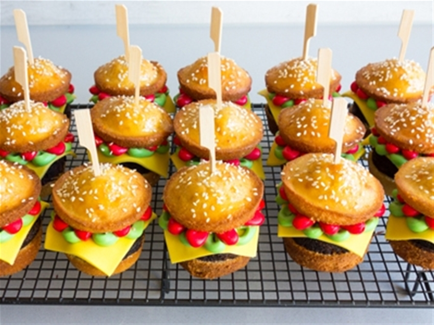 frankie fodder: burger cupcakes