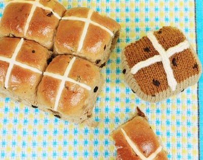 knitted hot cross buns