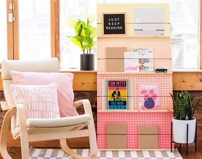diy gradient bookshelf