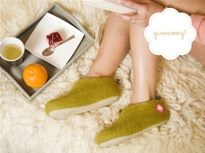stuff mondays – baabuk slippers