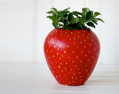 diy strawberry planter