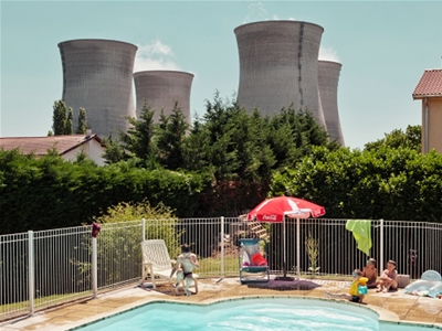 life near a nuclear power plant