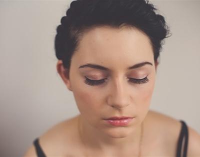 get fancy: false eyelashes
