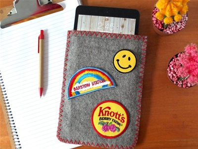 frankie exclusive diy: camp blanket tablet cosy