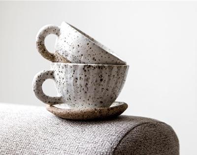 stuff mondays - lisa peri ceramics
