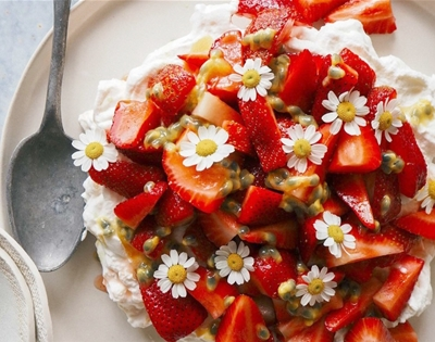 strawberry and chamomile eton mess