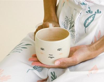 a mug with a mug