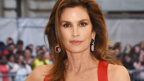 How Cindy Crawford Looks Healthier and Younger Than Ever
