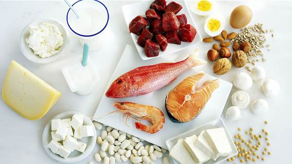 A High-Protein Diet Is Best for These 4 Types of People