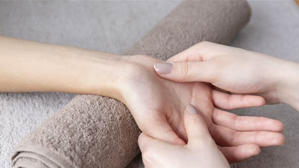 Hand Pressure Points: Where to Find Them and How to Use Them to Relieve Pain