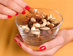 3 Surprisingly Bad Things That Can Happen if You Eat Too Many Nuts