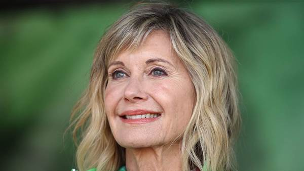 "Olivia Newton-John Says She ""Doesn't Buy Into the Statistics"" of Metastatic Breast Cancer"