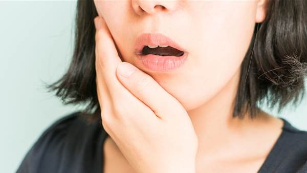 12 major signs you're grinding your teeth at night