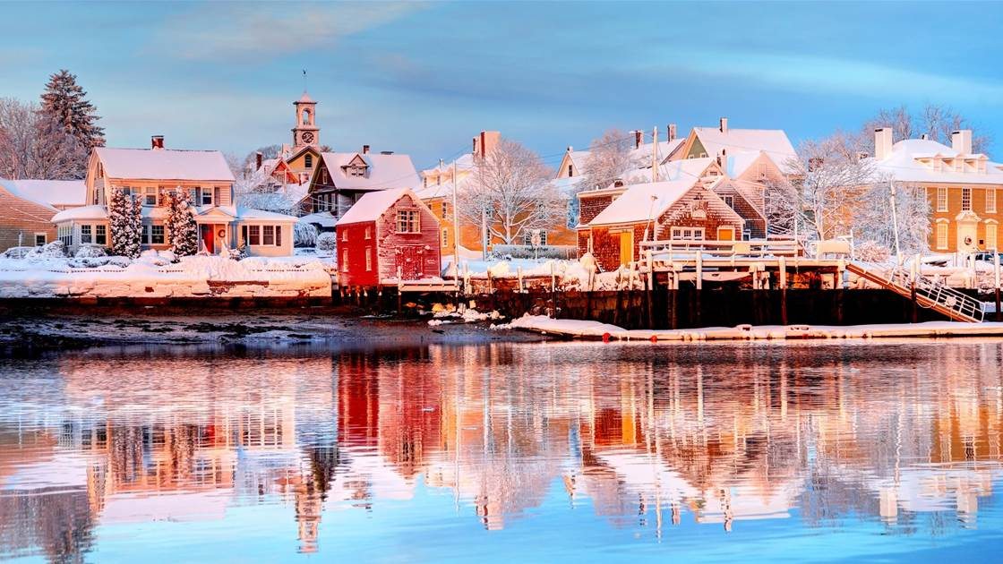 26 charming Christmas towns in the US