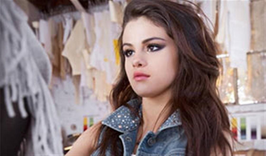 Selena's New Fashion Collection!