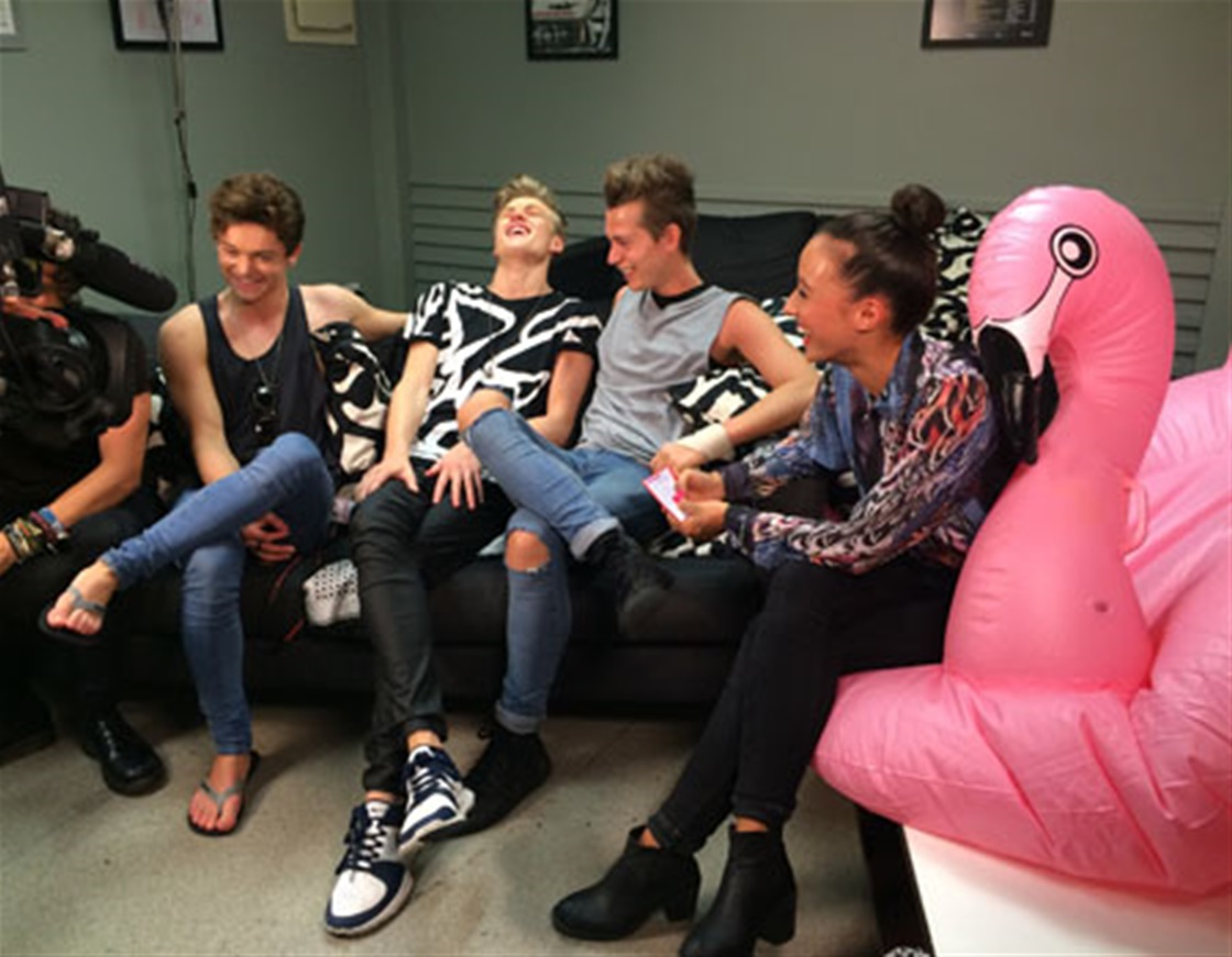 Meeting... THE VAMPS
