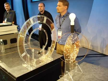 Look ma, no hands - Intel's wireless demo saw the light bulb on the right powered wirelessly.