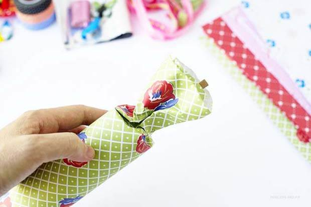 DIY Frankie Gift Wrap Bon Bons by Penelope and Pip Step 5